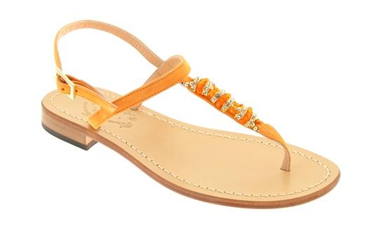 Sandaletto basso Ferrara infradito con dettaglio di pietre e swarosky con allacciatura alla caviglia e fondo in cuoio. #ferrara #shoes #sandali