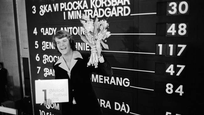 """Lasse Berghagen tog hem vinsten i Melodifestivalen 1975 efter att låten """"Jennie Jennie"""" fick högsta poäng från juryn."""