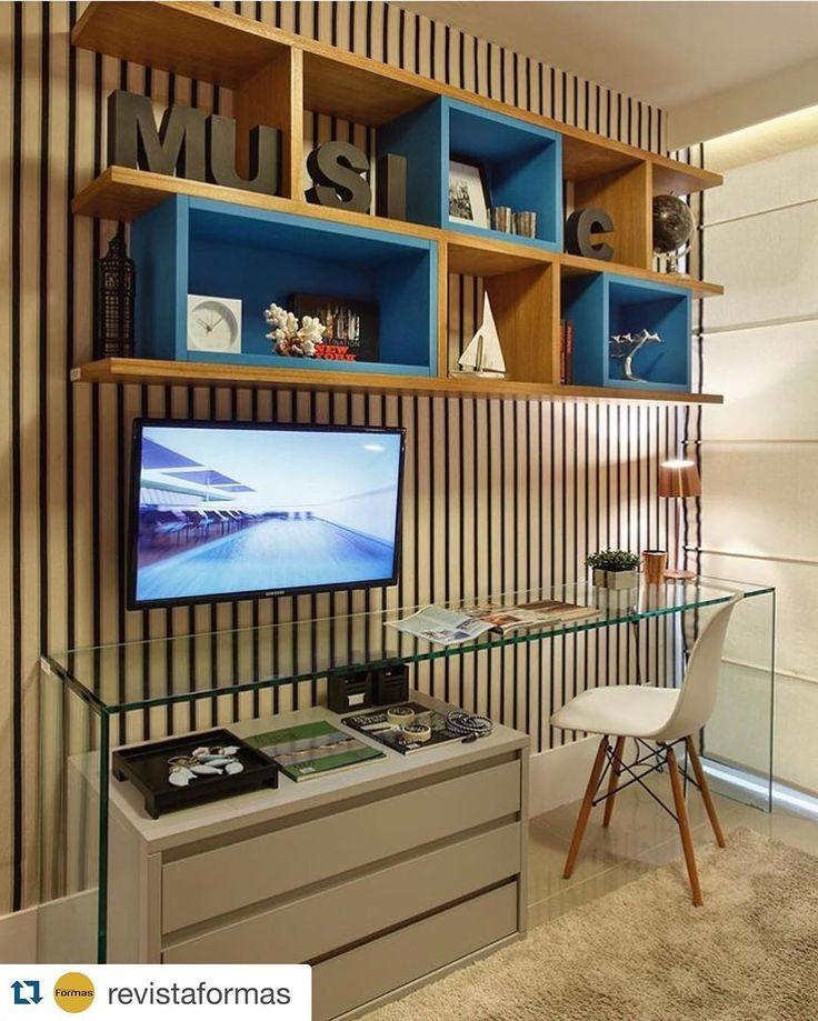 #Repost @revistaformas ・・・ Home office do rapaz por  Izabela Lessa Rio de Janeiro | RJ _  #decor #decoracao #detalhes #details #desing #designinteriores #decoration #decorating #style #furniture #home #homedecor #homedecoration #homedesing #homestyle #interior #interiordesing #inspiration #inspiração #ideias #instaarch #instadecor #instamood #instadesign #instagood #instahome #arquitetura #architecture #escultura.