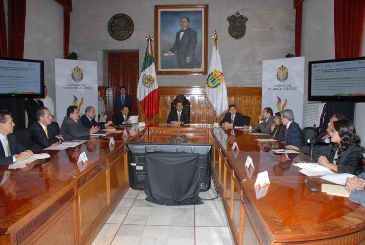 En presencia de diputados locales e integrantes del Poder Judicial, Duarte de Ochoa exhortó respetuosamente a los legisladores a acelerar el proceso para alcanzar cuanto antes los acuerdos que hagan posibles las reformas pertinentes en materia judicial.