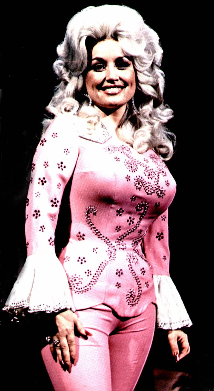A Tribute To Dolly Parton's Workinggirl Style: In Australia In 1970