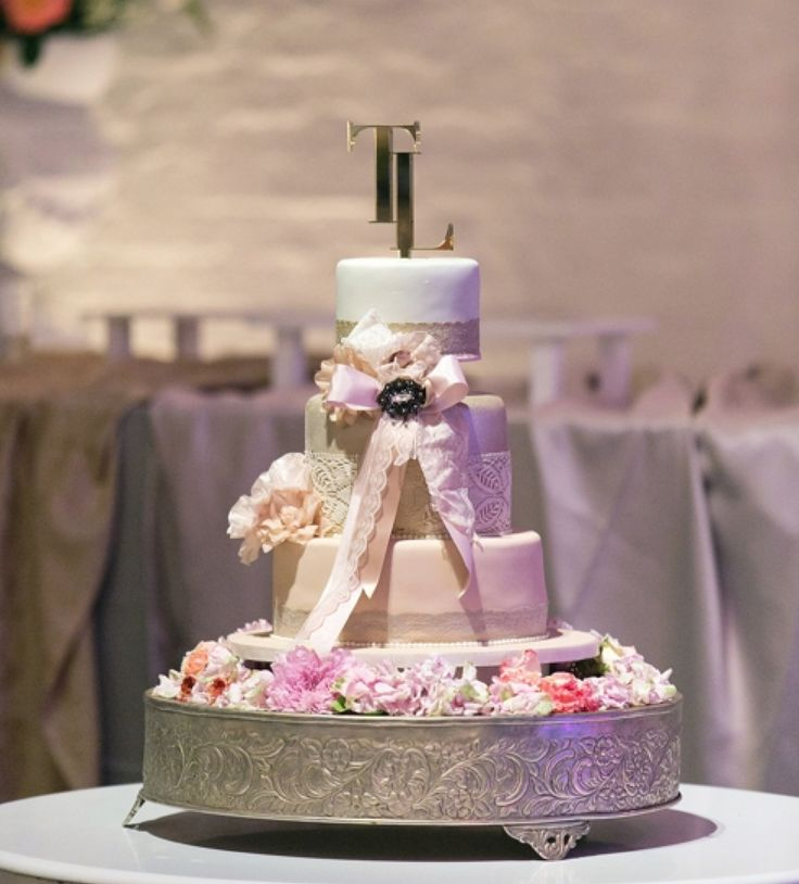 A pretty perspex cake topper we created for Lwanda and Tiro's gorgeous cake. Cordinated by @weddingconcepts