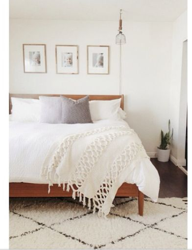 Beautiful And Airy Neutral Bedroom Rug