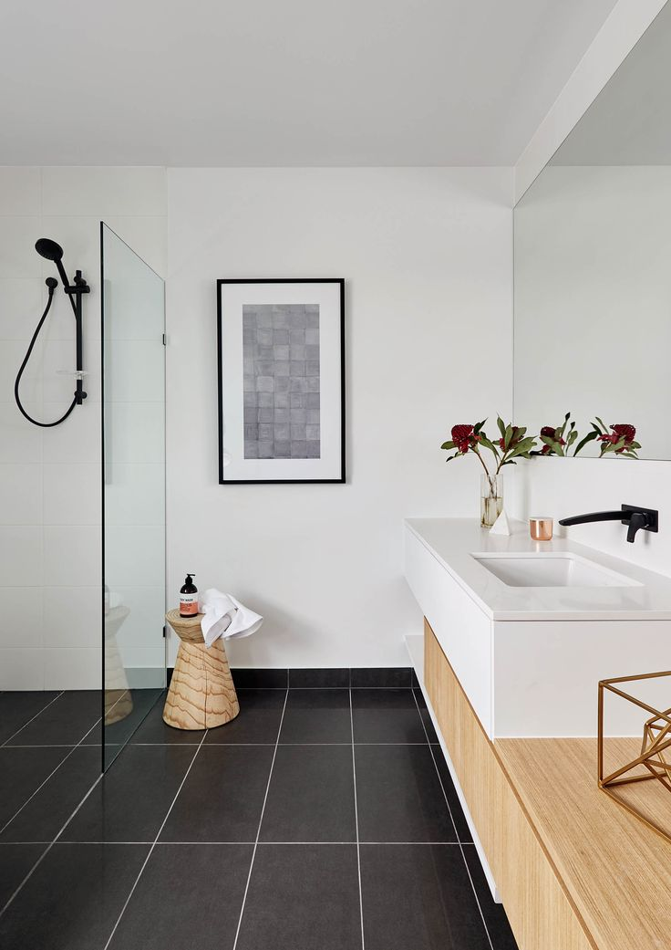 Langham 44 bathroom.
