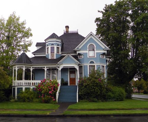 Victorian House #houses #USA #blueHouse House, Victorian House, Victorians Abandoned, House Usa, Usa Blue, Blue Victorian, Beautiful, Dreams House, Painting Lady