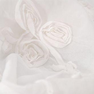 Šifon vzor stužkových růží bílý