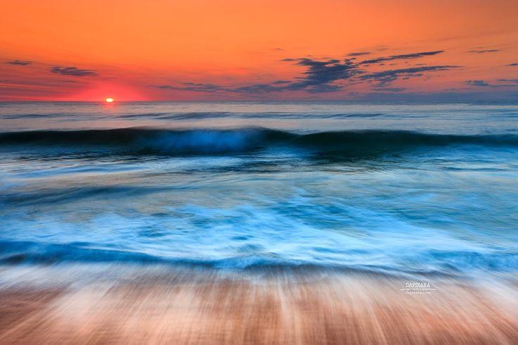 Moving Ocean Sunrise Today From Nauset Beach, Orleans, Cape Cod. Photo: Dapixara https://dapixara.com