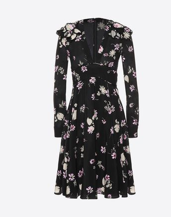 Are you looking for Valentino Crepe De Chine Printed Dress? Find out all the details at Valentino Online Boutique and shop designer icons to wear.