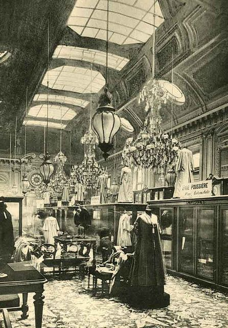 Grands Magasins du Louvre, place du Palais Royal, Paris 1er, vers 1900