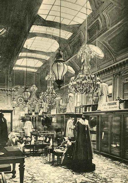 Grands Magasins du Louvre, place du Palais Royal, Paris 1er, vers 1900