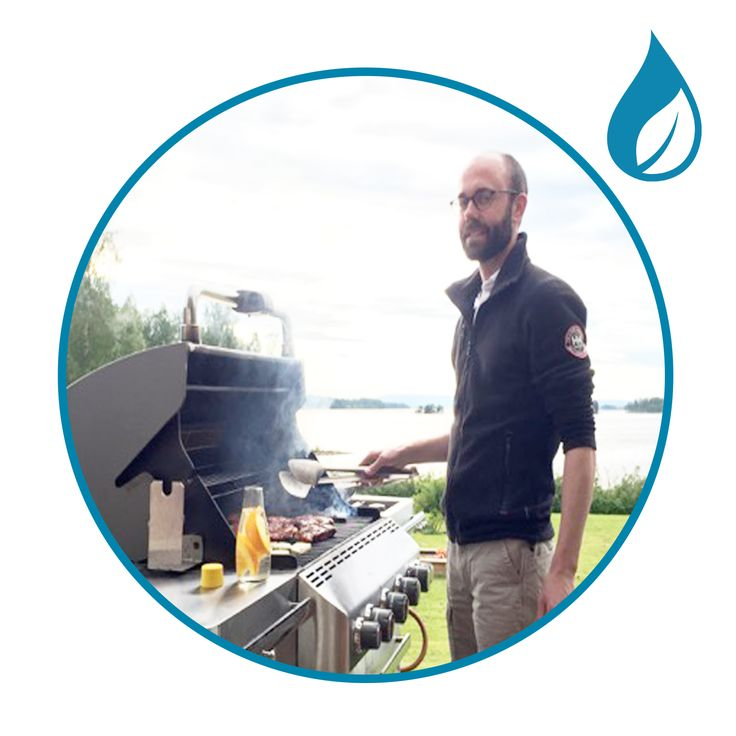 """The Retap Team   This week you meet Robert Hjernberg who is Partner & Business developer at Retap. Robert's favorite Retap moment: """"After an intense week at work I like getting some alone time in front of the BBQ station. That's a perfect time to zip some water before an evening with lots of fun amongst friends and family"""".  You can read about the entire team via this link…"""