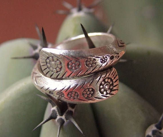 Sterling Silver ring. Silver Jewelry. Ethnic Jewelry. Anillo