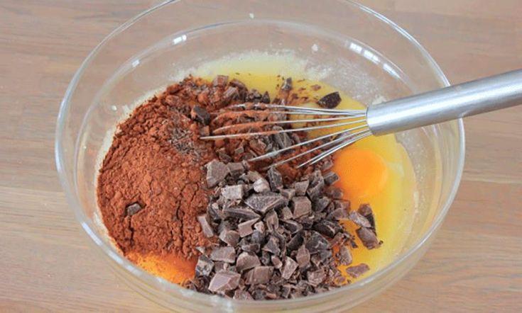 Brownies er en kunst å få seig og fudgy. Hele Norge Baker-Fredrik har brukt et år på å perfeksjonere oppskriften, og har funnet den ultimate brownies!