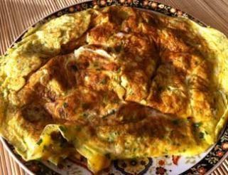 Omelette aux pommes de terre et au curcuma