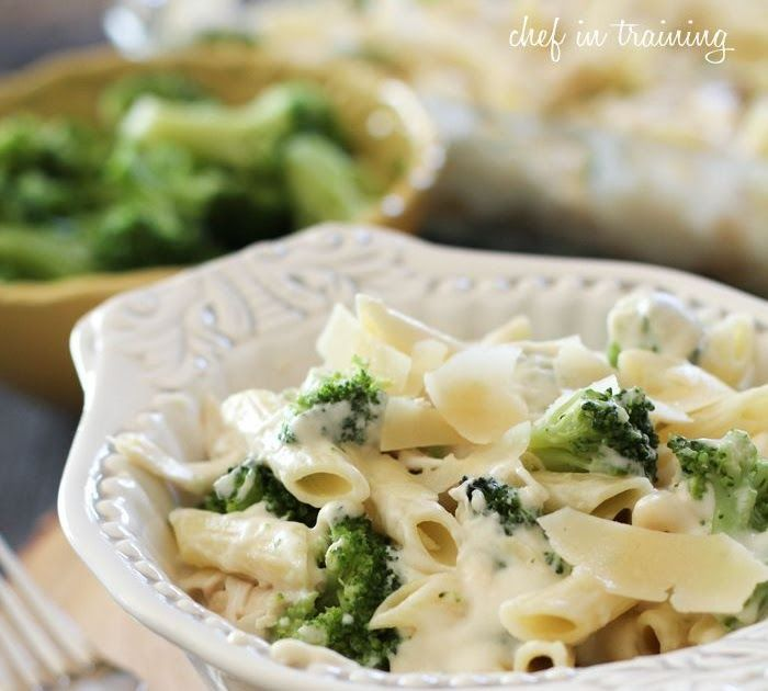 chicken broccoli alfredo pasta from chef in training com this meal is a family favorite it is on hebbar s kitchen chicken recipes id=57518