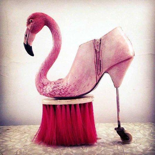 Les sculptures de chaussures surréalistes de Costa Magarakis - http://www.2tout2rien.fr/les-sculptures-de-chaussures-de-costa-magarakis/