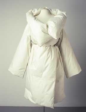 Duvet Coat, Martin Margiela, Fall/Winter 1999-2000, cotton, goose down, flannel, synthetic materials, Centraal Museum Utrecht