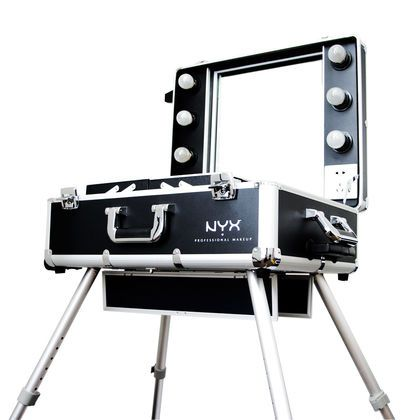 X-Large Makeup Artist Train Case With Lights 500$
