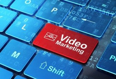 Video Marketing.  Το άρθρο αυτό εξετάζει τους τρόπους που μπορεί το video marketing & τα social media να βοηθήσουν μια επιχείρηση