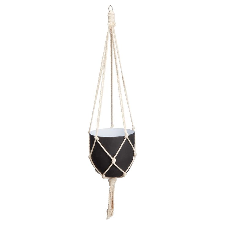 Sfeervolle hangende bloempot. 70 cm hoog. Kleur: zwart. Verkrijgbaar in diverse kleuren. #kwantumlente #tuin #bloempot