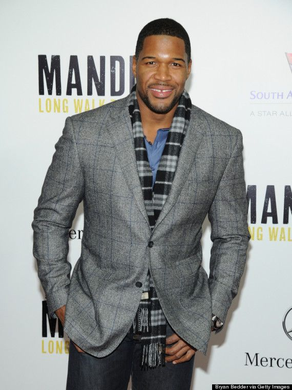 michael strahan.....totally in love with him.....hmmmn La-Ronda Strahan....yep sounds nice