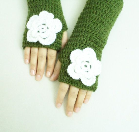Spring For gif tGreen and White Gloves Fingerless by BloomedFlower, $20.00