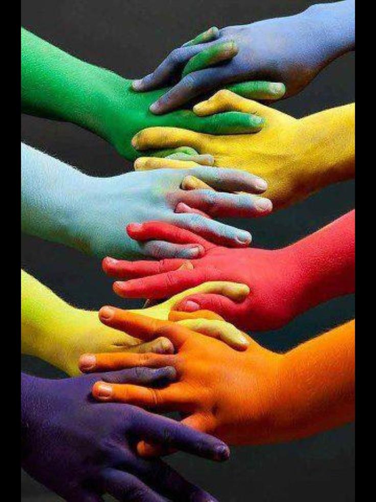 Manos entrelazadas  Pintura sin miedo al Color  Color of