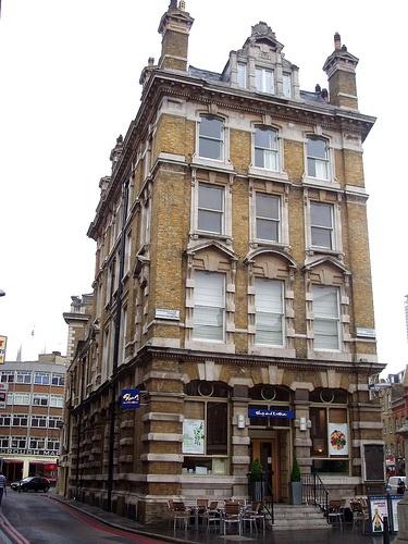 The Slug and Lettuce - London, England. Ate here all the time. Slug and Lettuce 32–34 Borough High Street, London, tube: London Bridge (LD 25%) (CW 16)