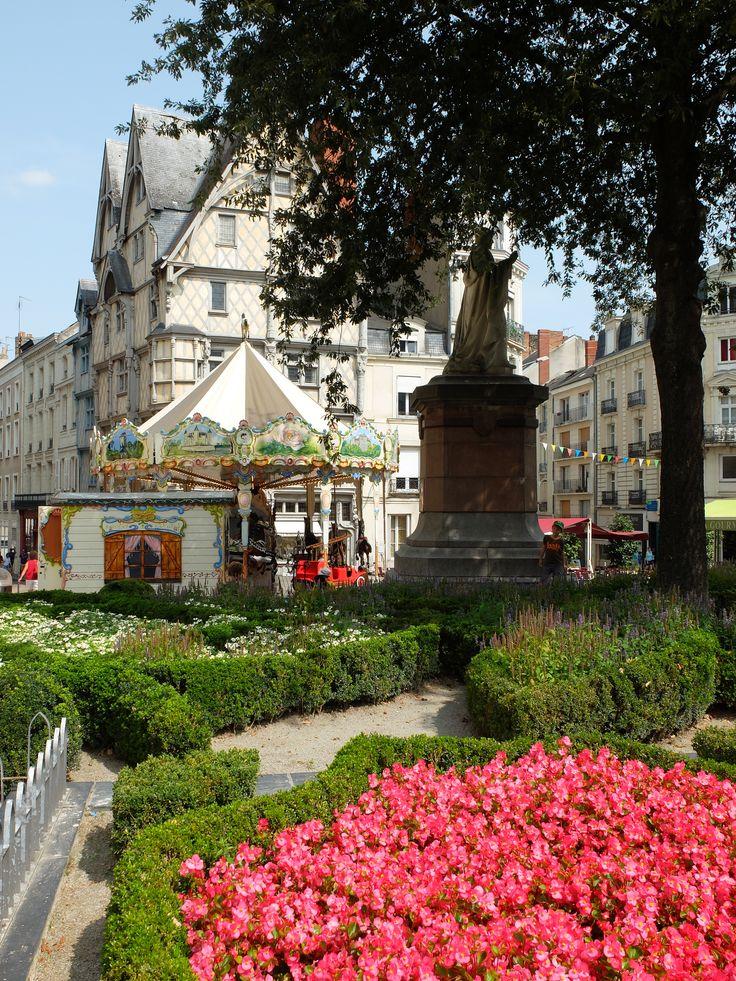 Place Sainte-Croix - Angers - Photo MNC