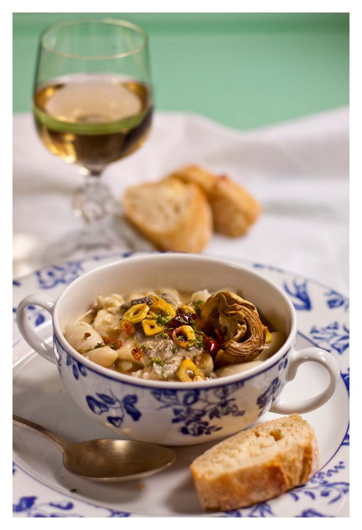 White beans with cod fish & artichokes pilpil by El Oso con Botas blog