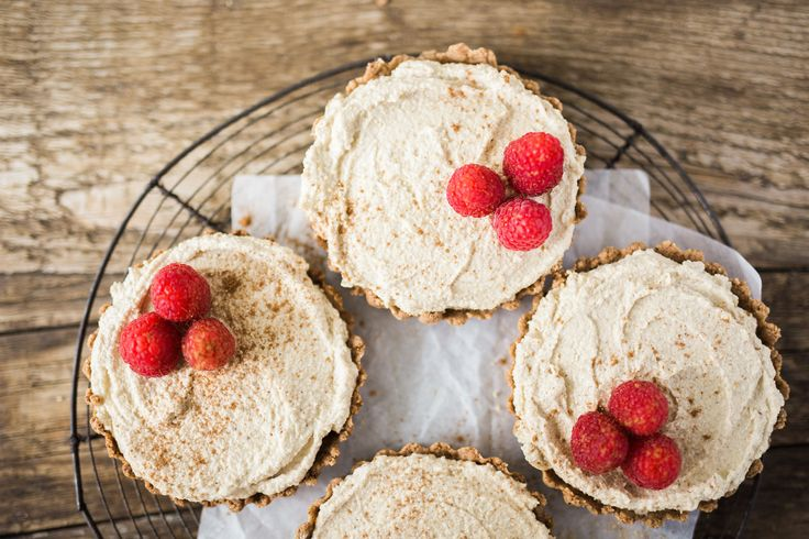 Paleo Gingersnap Snickerdoodle Cheesecakes -