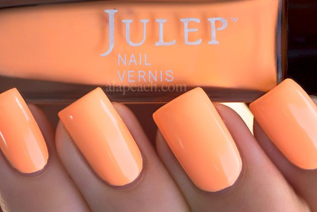 Julep Nail Vernis Hayden (2012 Resort Collection) neon pastel peach. Never heard of this brand....