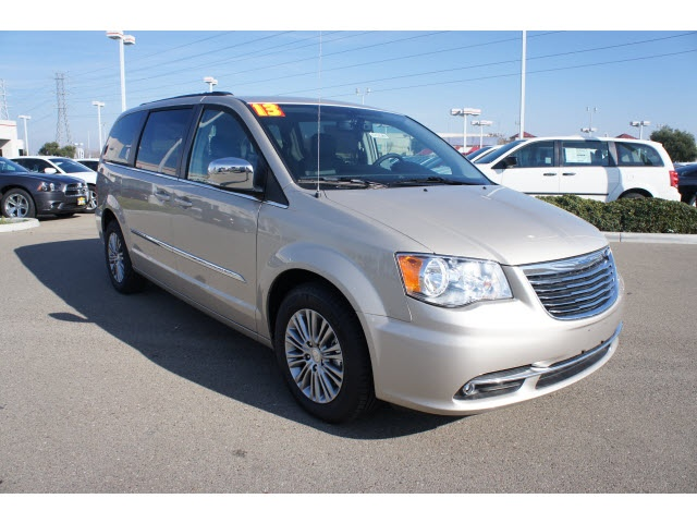 2013 Chrysler Town & Country Touring-L For Sale   Tracy CA .