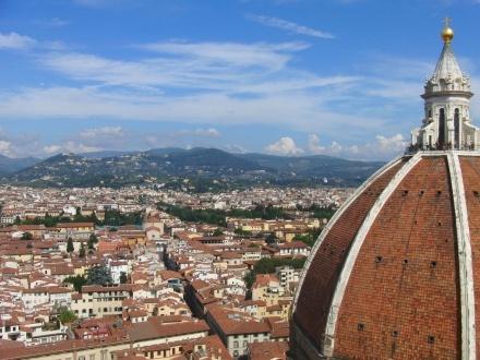 ふりっこさんの投稿作品:大聖堂の見える街