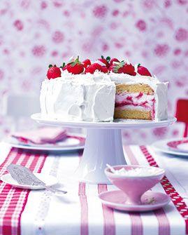 Erdbeer-Quark-Torte - Erdbeeren: Süßes, Getränke Pikantes - [LIVING AT HOME]