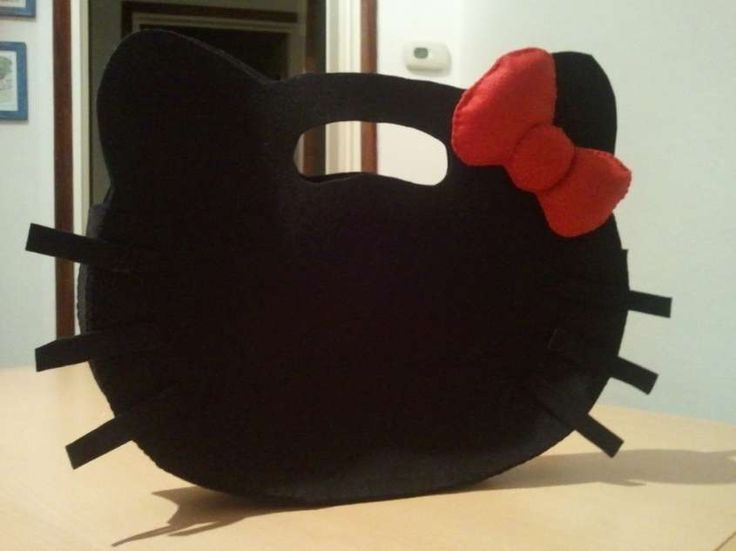 Borse di feltro fai da te - Borsa Hello Kitty nera