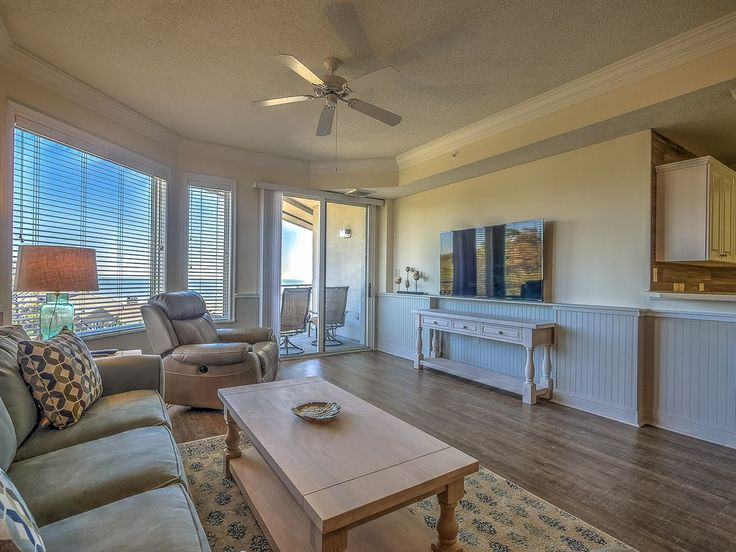 2507 SeaCrest - 7/22 & 7/29 Weeks Available. OCEAN VIEW villa!. This beautifully decorated, fully renovated 1 bedroom, 1.5 bath villa has amazing views of t...