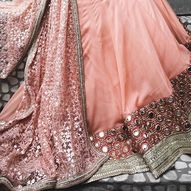 Beautifully designed lehenga. #lehenga #bridalfashion #desi #desibride #indianfashion #silk #bride #Indianclothes #indianoutfit #mirror #desicouture #instafashion #wedding #handmade
