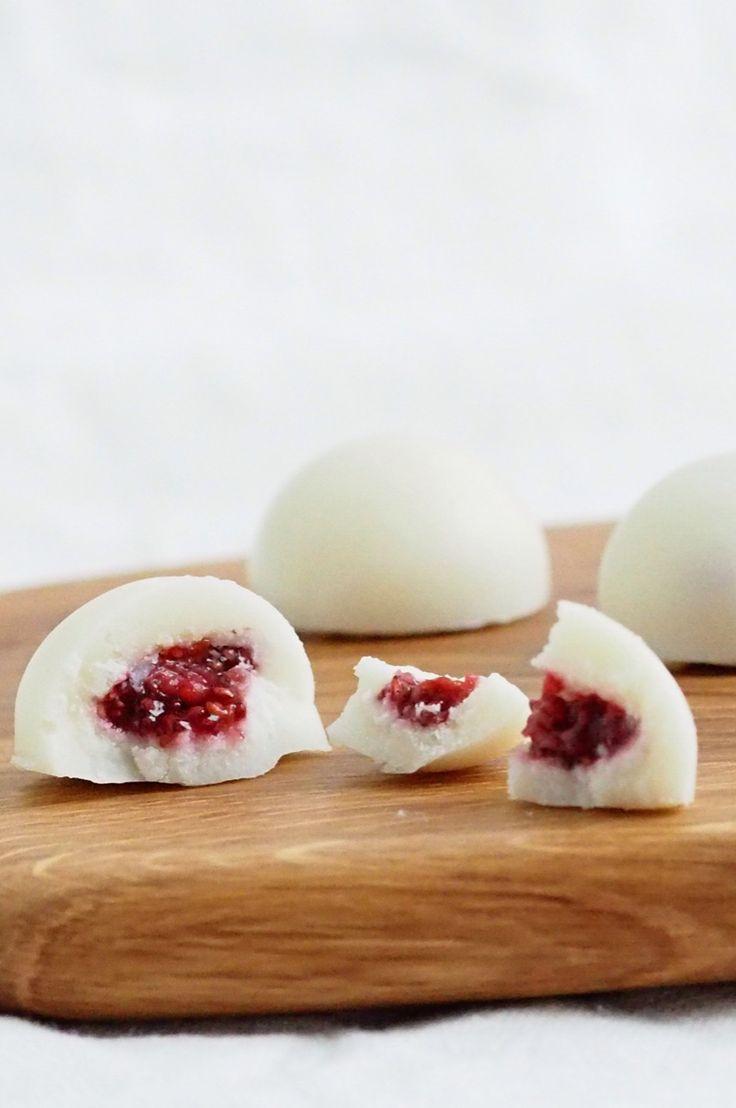 Coconut raspberry sweets from my Karita Tykkää blog