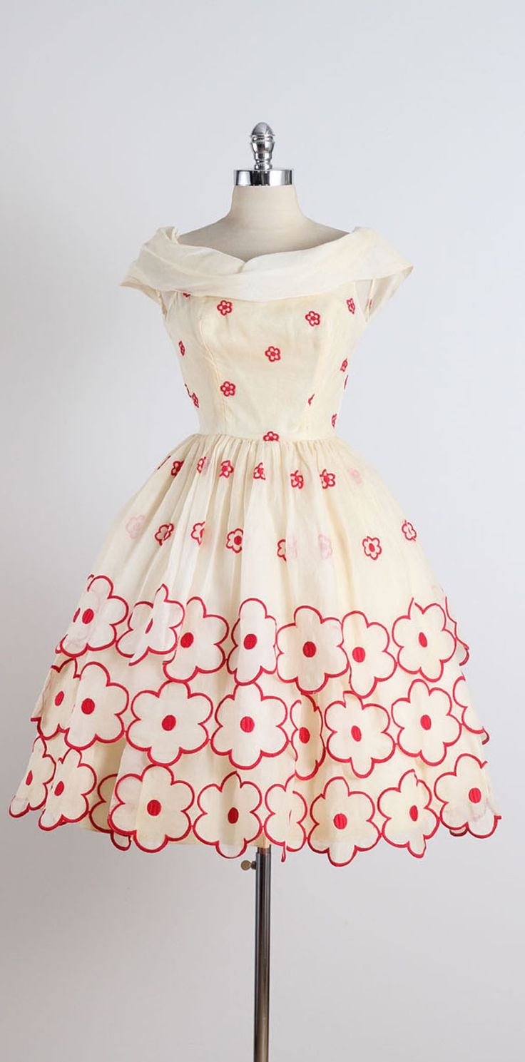 1950s Whimsical Floral Embroidered Organza Dress image 8   jαɢlαdy