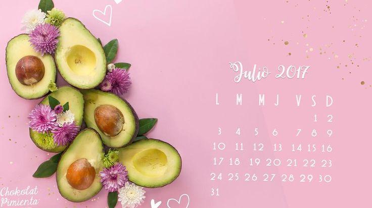Les deje un regalo en mi cuenta de Facebook!  ya pueden descargar Gratis el Calendario del mes de Julio  que es el mejor mes del año  porque es el mes de mi cumpleaños  vienen muchos regalos este mes así que estén pendientes de mis redes #chokolatpimienta #foodblogger #foodphotographer #foodphoto #calendario2017 #julio #aguacates #sábado #gifts #pink y como el Aguacate está tan caro jaja  es un tipo calendario talismán de la abundancia Jajajaja