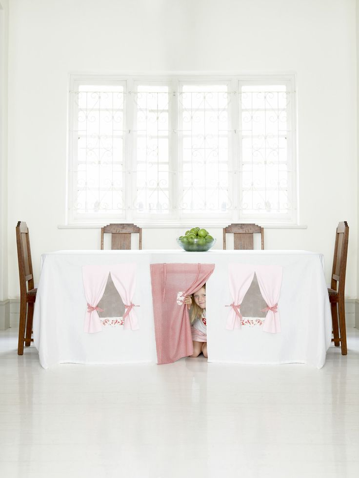 My non craft behind is going to try to make this! One for the girls and a boy one for the other side of the table!