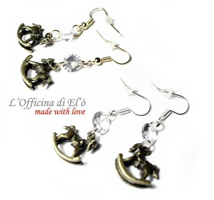 earrings with rocking horse and small diamond  orecchini con cavallo a dondolo e brillantino