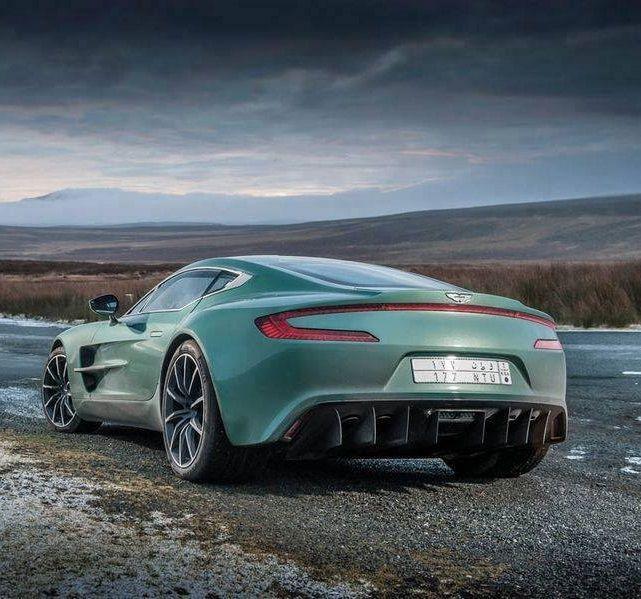 Beau Aston Martin One 77