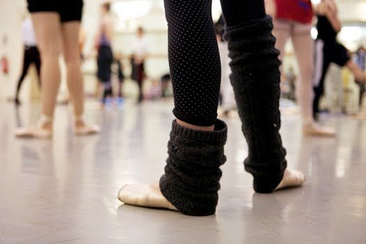 ballet -  source: www.balletnews.co.uk: Legs Warmers, Fashion Shoes, Points Shoes, Ballet Class, Toms Shoes, Girls Fashion, Ballet Shoes, Dance, Leg Warmers