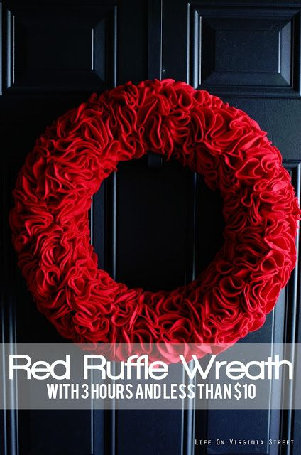 Gorgeous DIY Felt Flower Wreath - could easily change use a different felt color for any season or holiday!