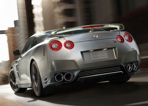 2015 Nissan GT R Silver 600x429 2015 Nissan GT R Full Reviews