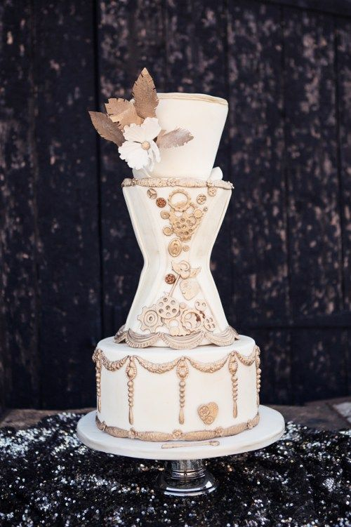 Steampunk Wedding Cake -Cristina Rossi Photography - Steampunk_0218