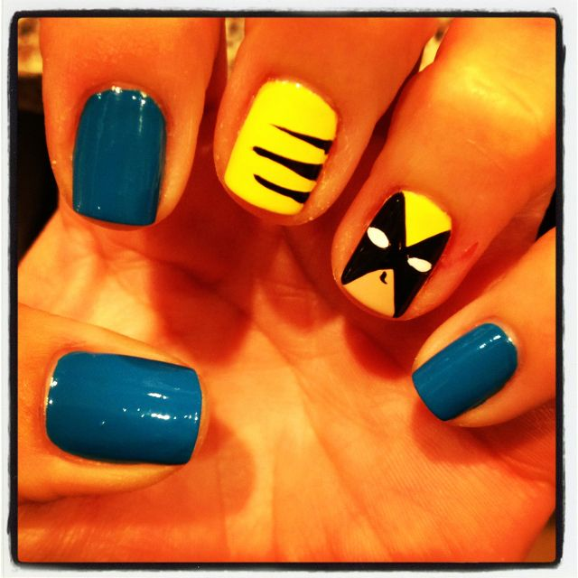 k volleyball girls! if you see this before you do your nails, we're basically going to do our nails like this and the batman one I pinned, with r colors and 2 accent nails :D