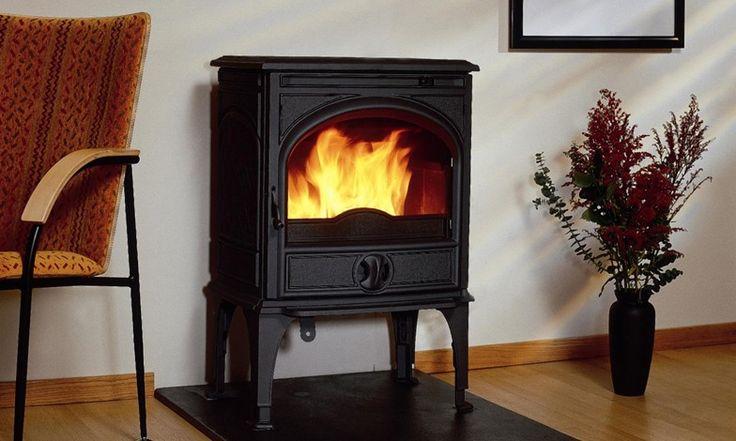 Dovre 425 CD houtkachel.  Een haard brengt sfeer in huis. Warmte en gezelligheid. Diezelfde ambiance biedt 't Stokertje u al voordat uw nieuwe kachel thuis staat te snorren. Want van uw zoektocht naar een fijne haard maken we graag een belevenis op zich. 't Stokertje heeft vestigingen op bijzondere locaties in Nederland.  #dovre #425 #CD #hout #haard #kachel #houthaard #houtkachel #warm #warmte #sfeer #gezellig #vuur #vlammen #stoken #stokertje
